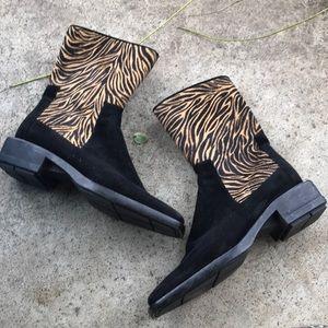 EUC Stuart Weiztman 6 Suede Animal Print Boots